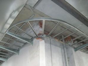 Лоток для кабеля по стене