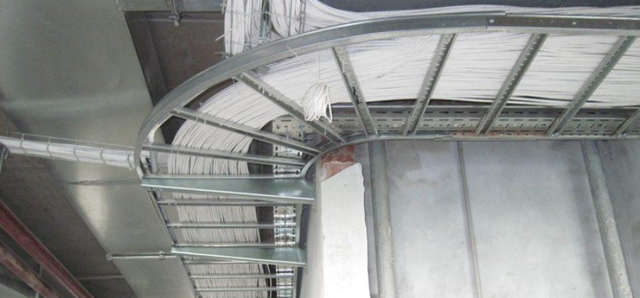 Расценки на монтаж кабеля в штрабе, трубе, лотке, стене