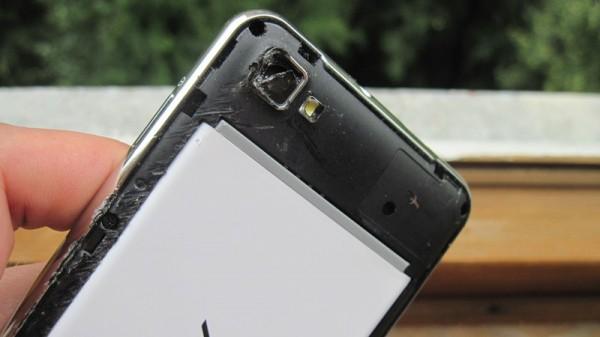 Разбита камера у смартфона