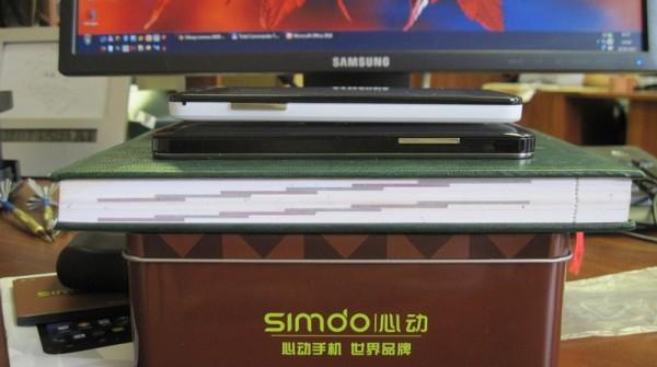 Simdo D98 - разъемы, боковой торец