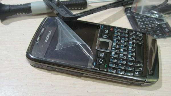 Nokia E71 собран китайскими отвертками