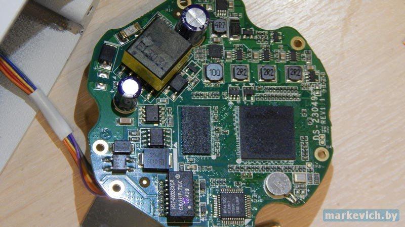 DS-2CD2T32-I3-8
