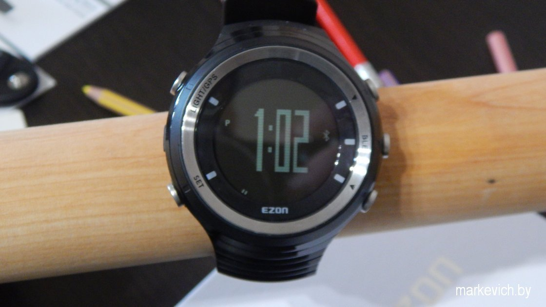 Ezon G3: часы включены