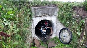 """Приключенческая гонка """"Щучин"""" - трубу под дорогой, выход"""